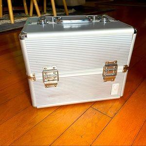 Caboodle Large Metal Makeup Case Carrier